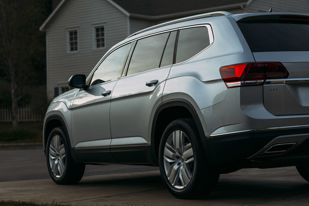 02_VW_Atlas_EXT_Silver_Sunrise_0338_edit.jpg