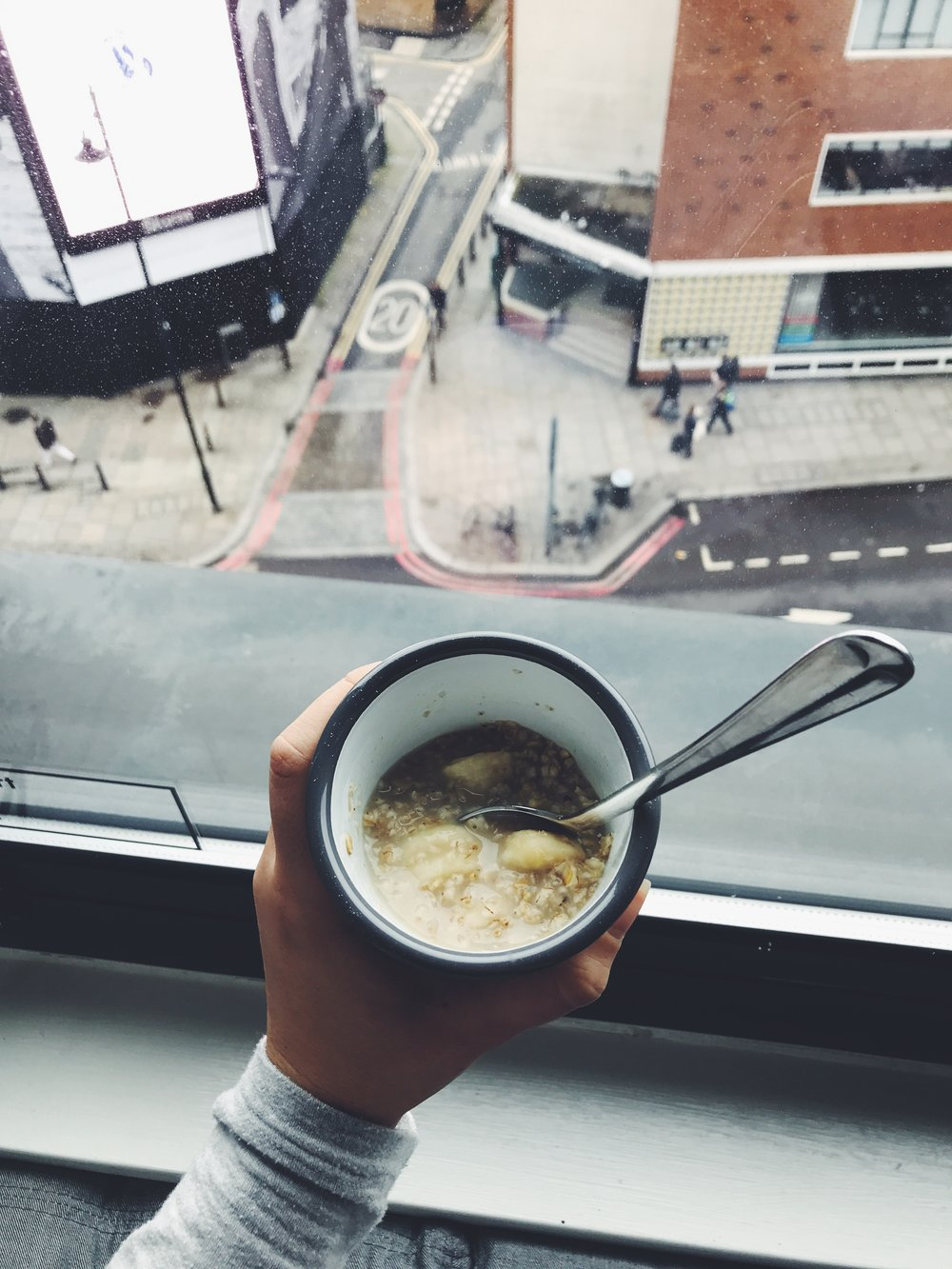 banana oatmeal healthy tips while traveling