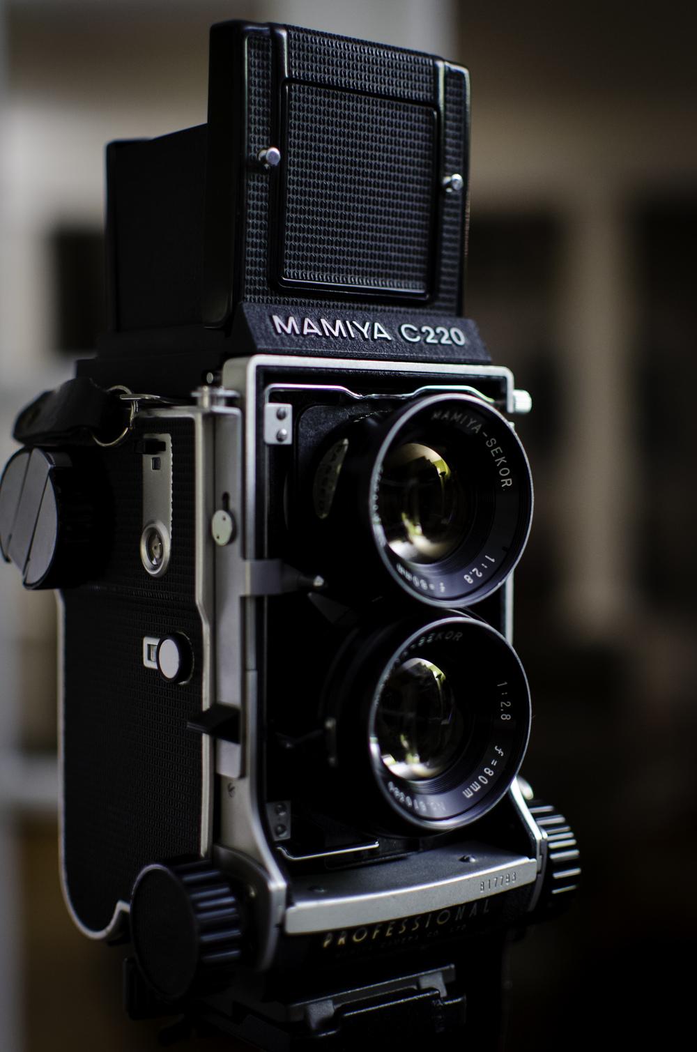Mamiya C220 TLR Medium Format Camera.