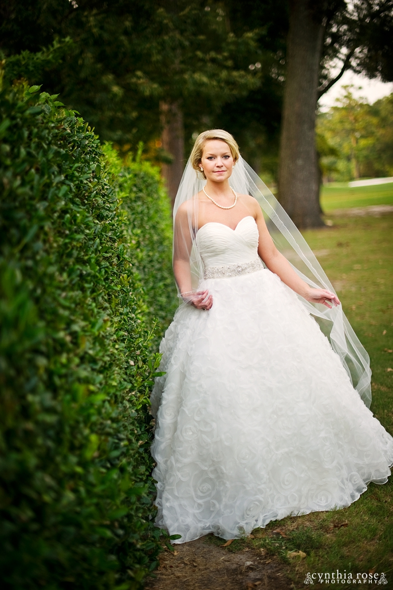 new-bern-country-club-bridal-portraits_0408.jpg