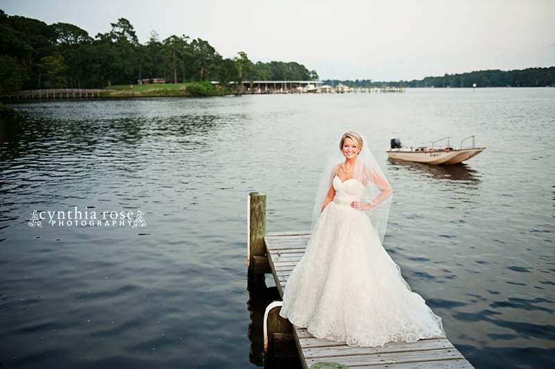 new-bern-country-club-bridal-portraits_0415.jpg