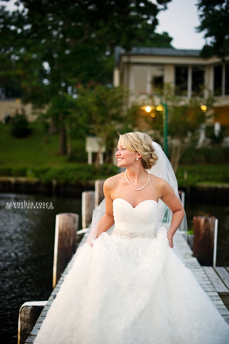 new-bern-country-club-bridal-portraits_0424.jpg