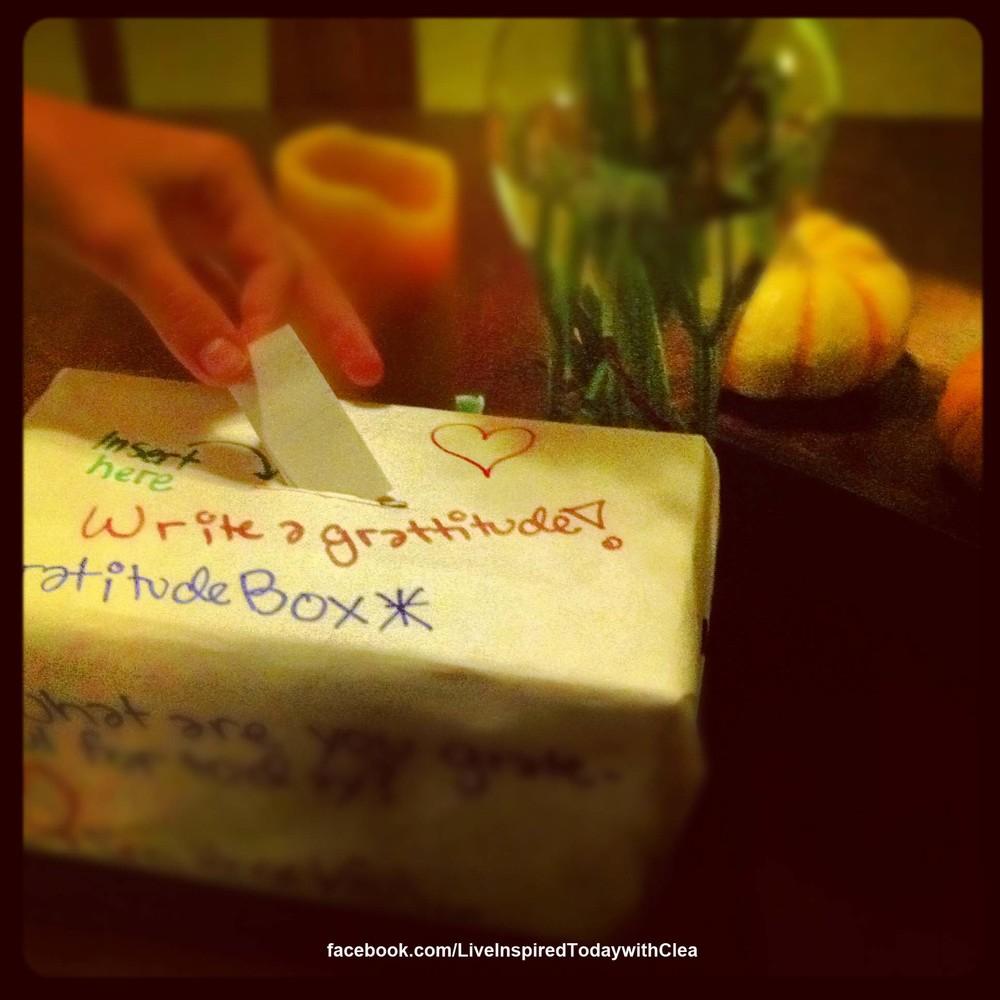 gratitude boxLIT