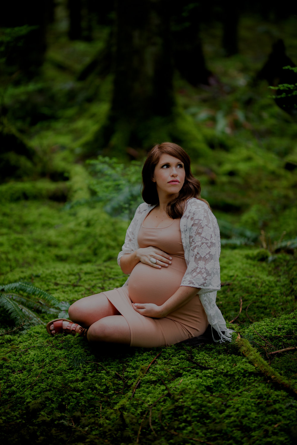 NadineHansenPhotography.Maternity Shoot in the luxurious west coast rainforest