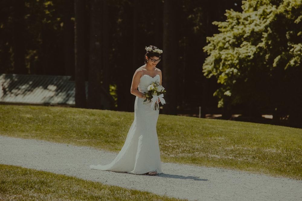 Stephanie & Mark.Cleveland Dam Wedding-10.jpg