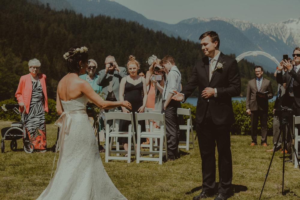 Stephanie & Mark.Cleveland Dam Wedding-12.jpg