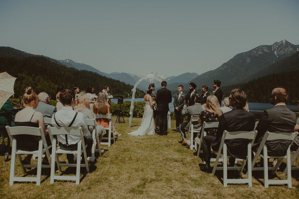 Stephanie & Mark.Cleveland Dam Wedding-14.jpg