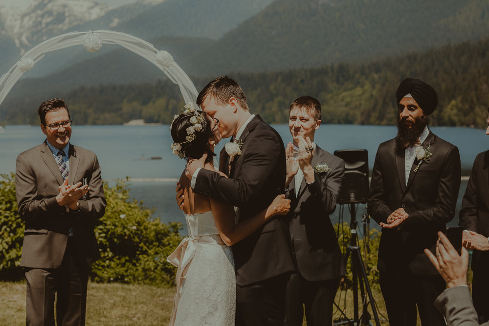 Stephanie & Mark.Cleveland Dam Wedding-24.jpg