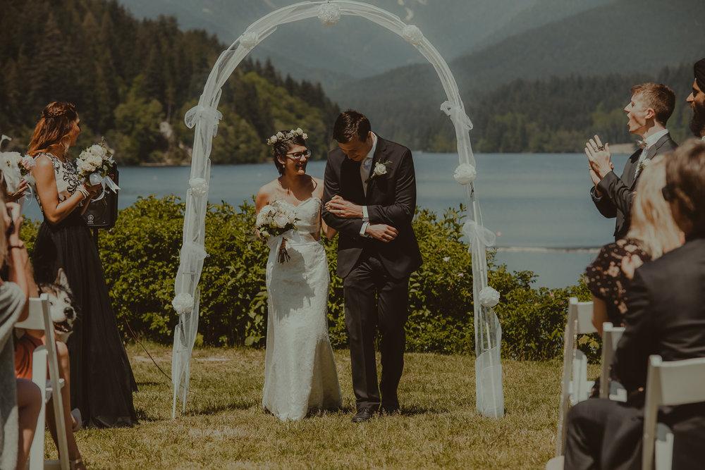 Stephanie & Mark.Cleveland Dam Wedding-25.jpg