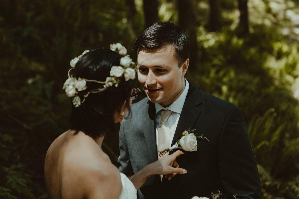 Stephanie & Mark.Cleveland Dam Wedding-34-2.jpg