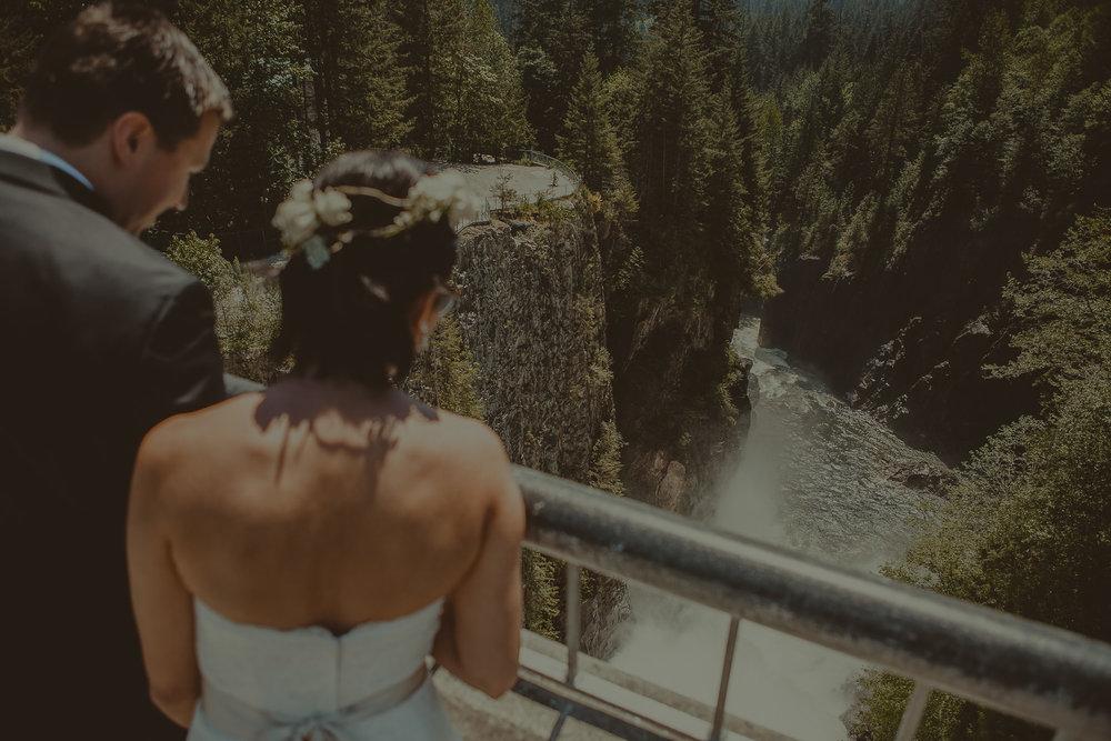Stephanie & Mark.Cleveland Dam Wedding-33.jpg