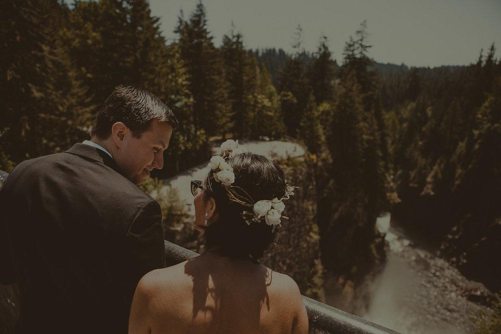Stephanie & Mark.Cleveland Dam Wedding-34.jpg