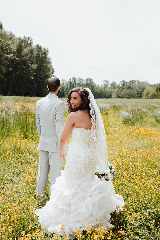 intimate-rustic-wedding-Deas-Island-Heritage-Park