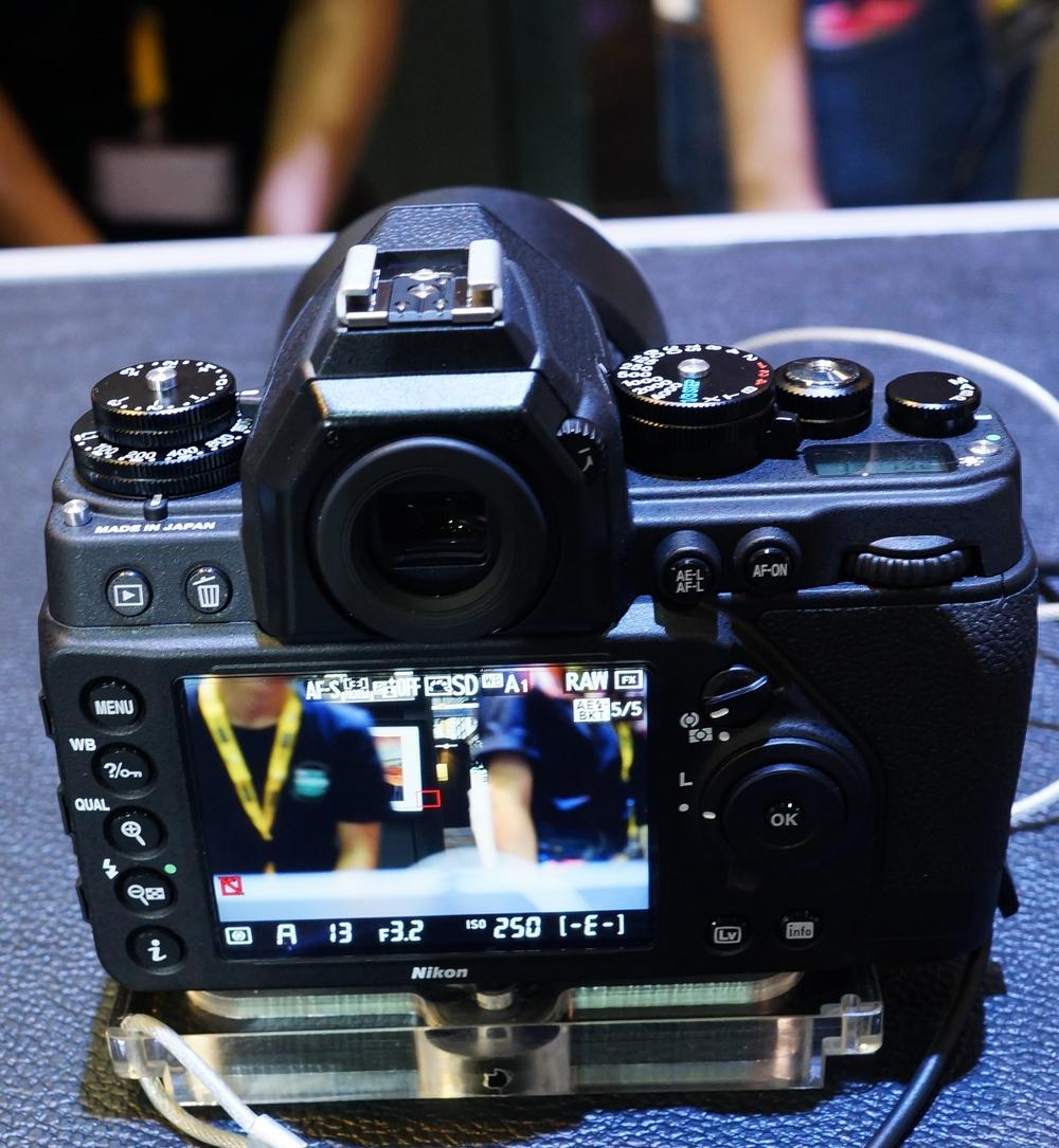 Rear View. Nikon Df