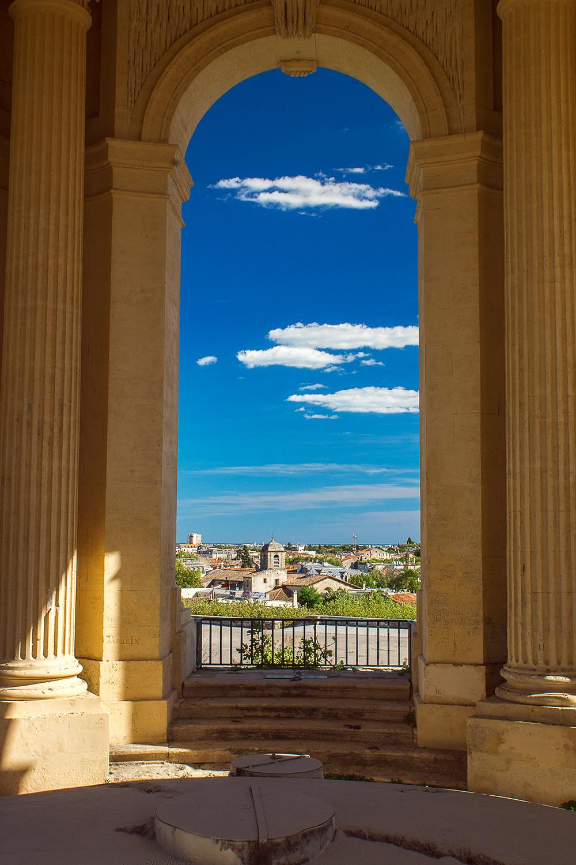 Montpellier through an Arch