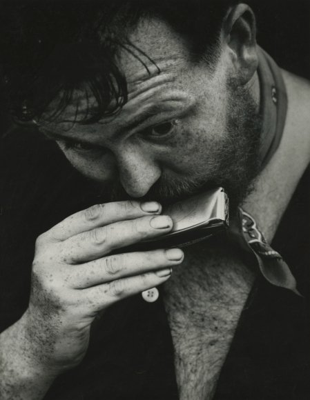 Copyright Dave Heath. As we can see the dark areas have a grey tint and details in the man's beard are pronounced.