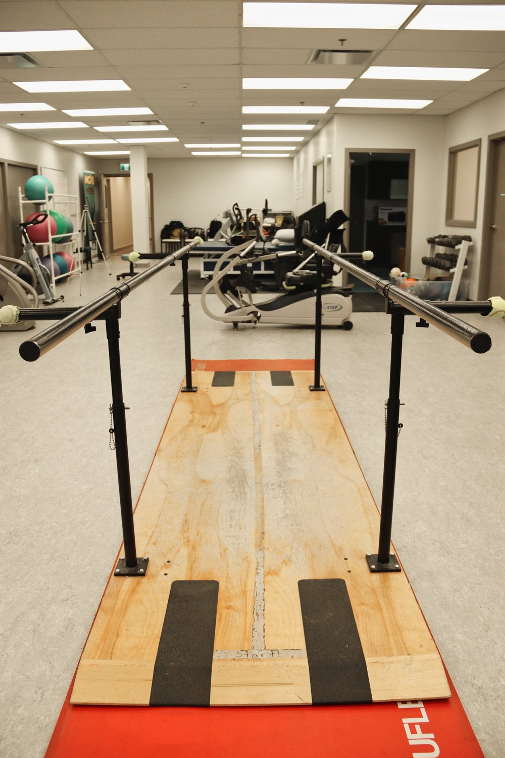 parallel bars - The Parallel bars assist individuals with gait training, as well as to regain balance, strength, range of motion, and mobility.
