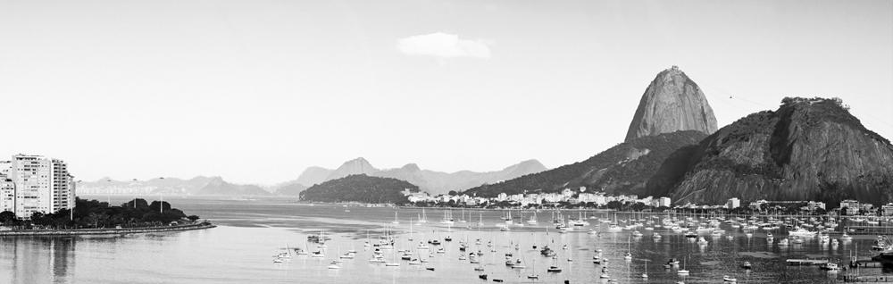 Barcos em Botafogo, P&B.
