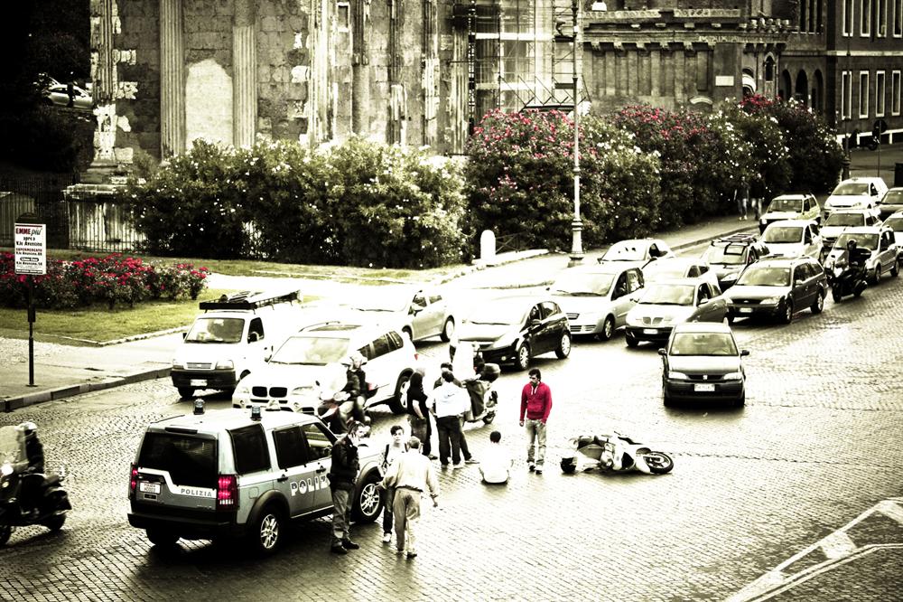 Parece perigoso dirigir em Roma