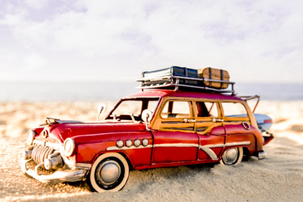 Carro na praia : dia
