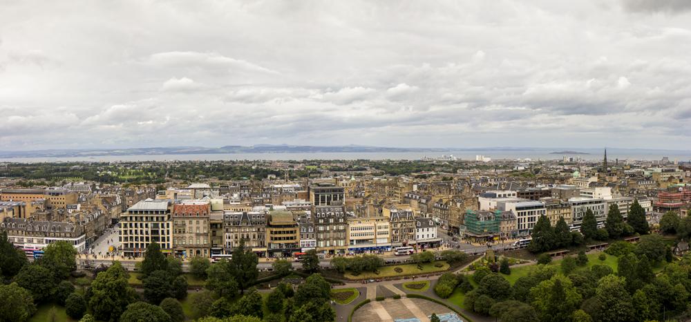 Panorâmica do alto do Castelo de Edinburgh