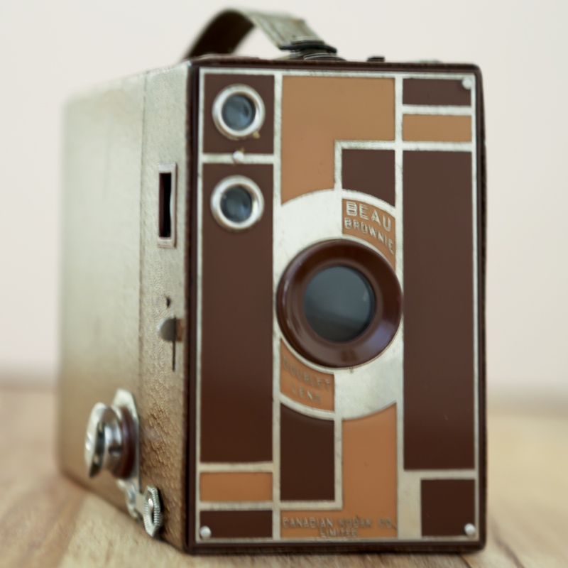 KODAK BEAU BROWNIE 2A TAN.png