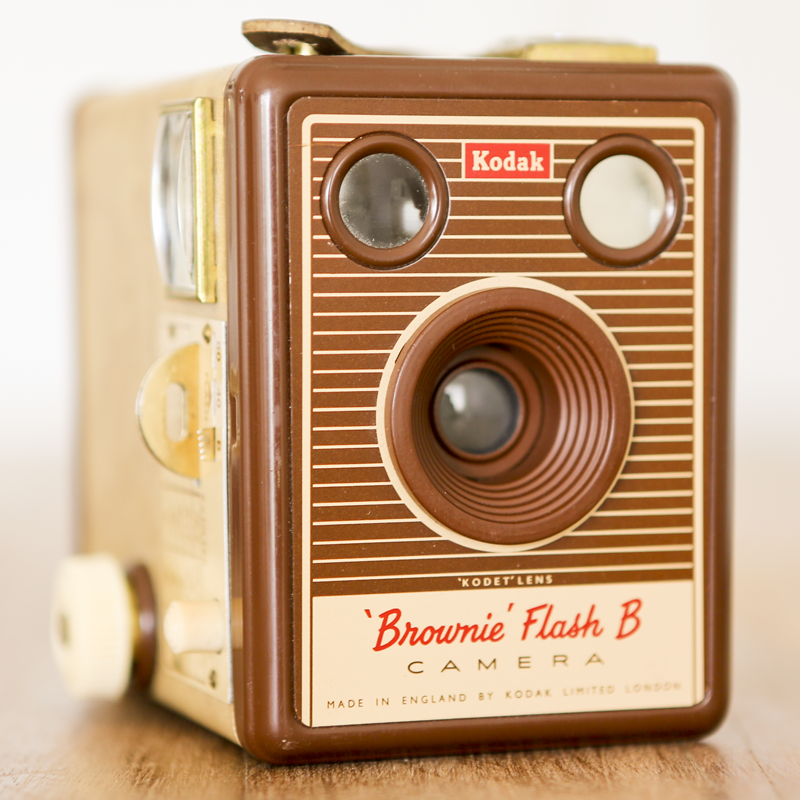 KODAK SIX-20 BROWNIE Flash B.png