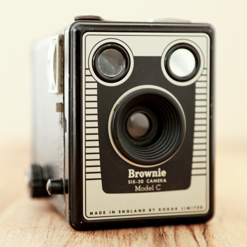 KODAK SIX-20 BROWNIE Model C.png