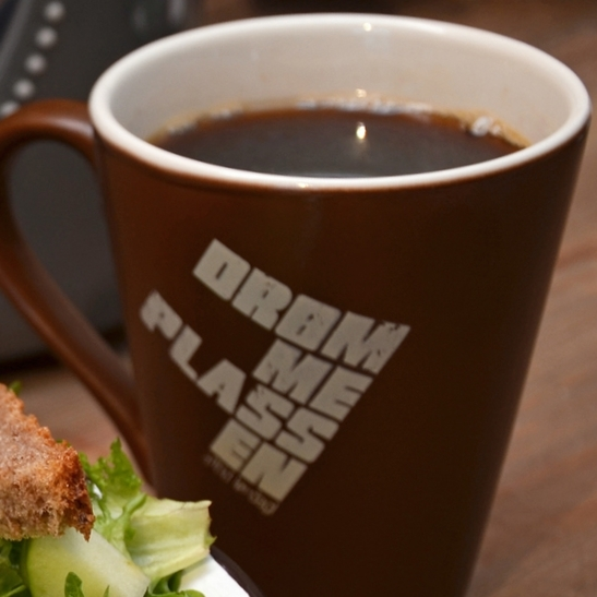 KAFFE En kopp deilig Drømmekaffi. 29,- (ta med 27,-) Påfyll 15,- (ta med 14,-)