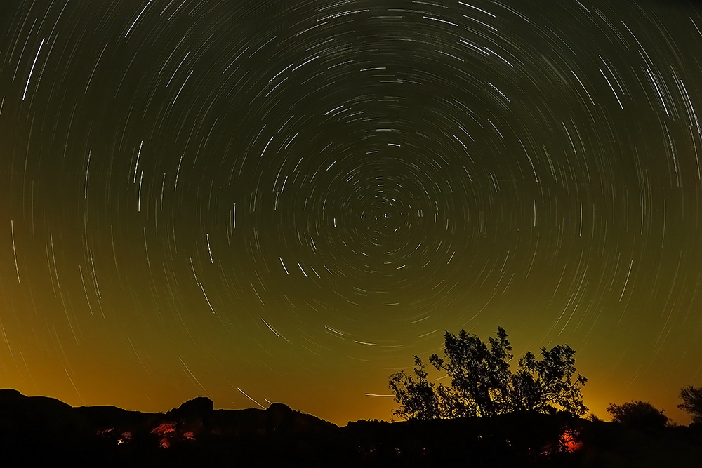 Time lapse of the night sky over Joshua Tree (Courtesy: Suli Yuan)