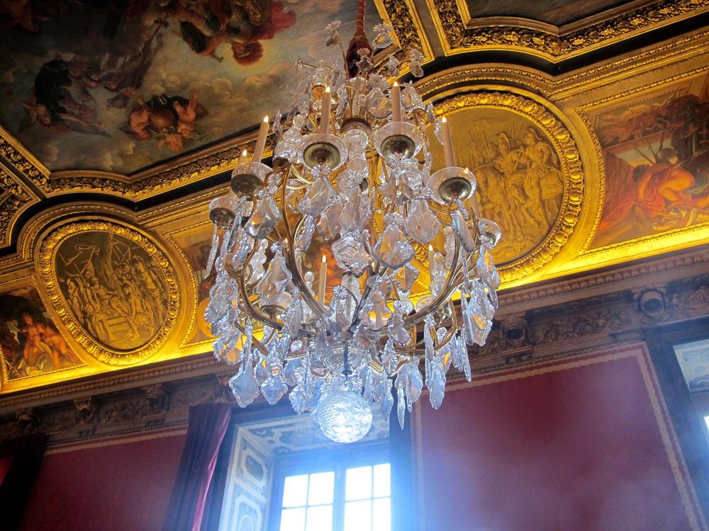 VersaillesChandelier.JPG