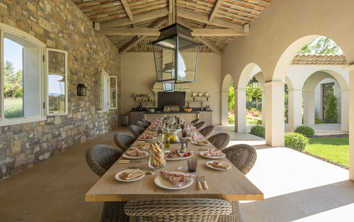 Classical French Design in Cote d\'Azur: Country Villa for Rental ...