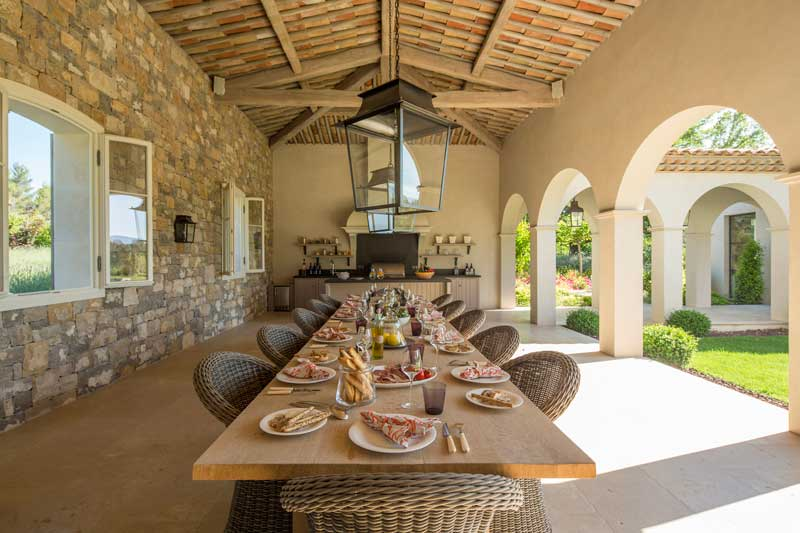 Alfresco Dining with family in French Countryside, Cote d'Azur