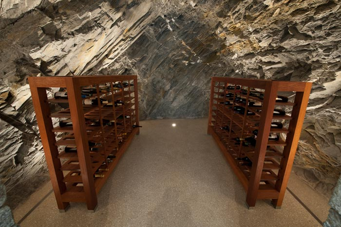 wine cellar jagged edge villa rental new zealand queenstown