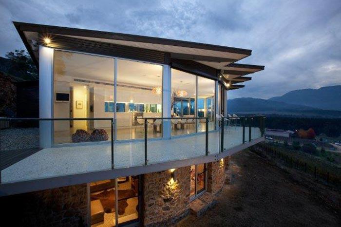 feathertop chateau victoria australia villa for rental