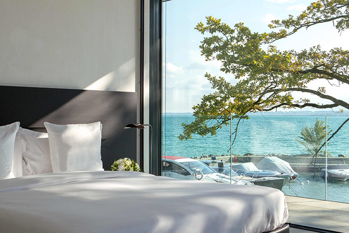 Villa-du-Lac-Reserve-Geneve-Bedroom.jpg