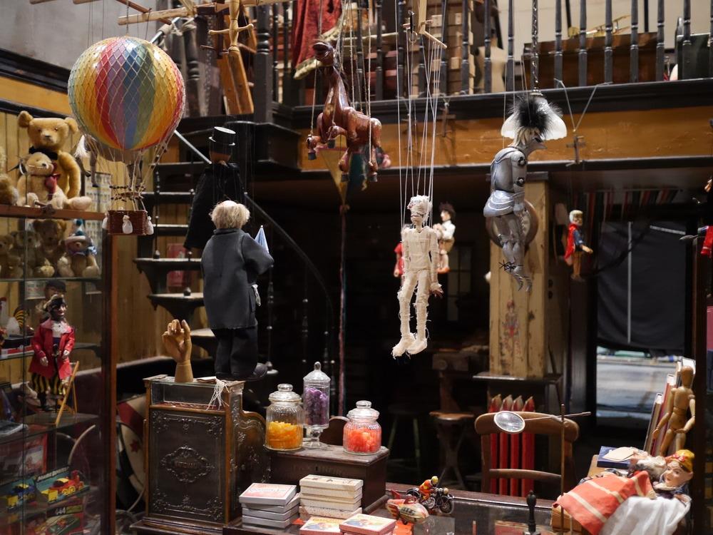 Shop Interior - Set Dressing