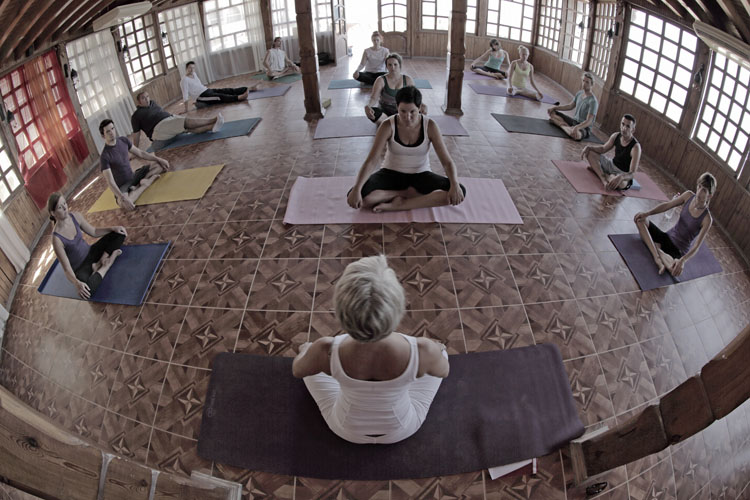 dyd-yoga-class-on-holiday.jpg