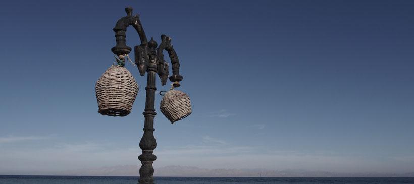 dyd-dahab-beachside-lamppost.jpg