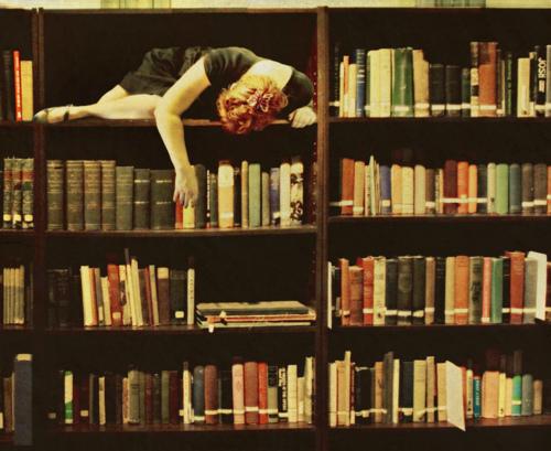 womenreading.jpg