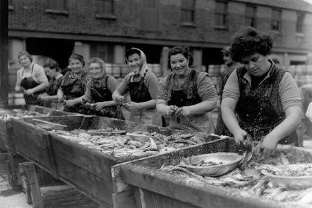 Herring girls of the early 20th century