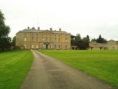 Mona and Karl visit Packington House, a 17th century mansion in Warwickshire