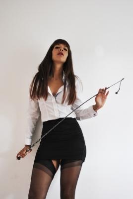 whip punishment Dominatrix London.jpg