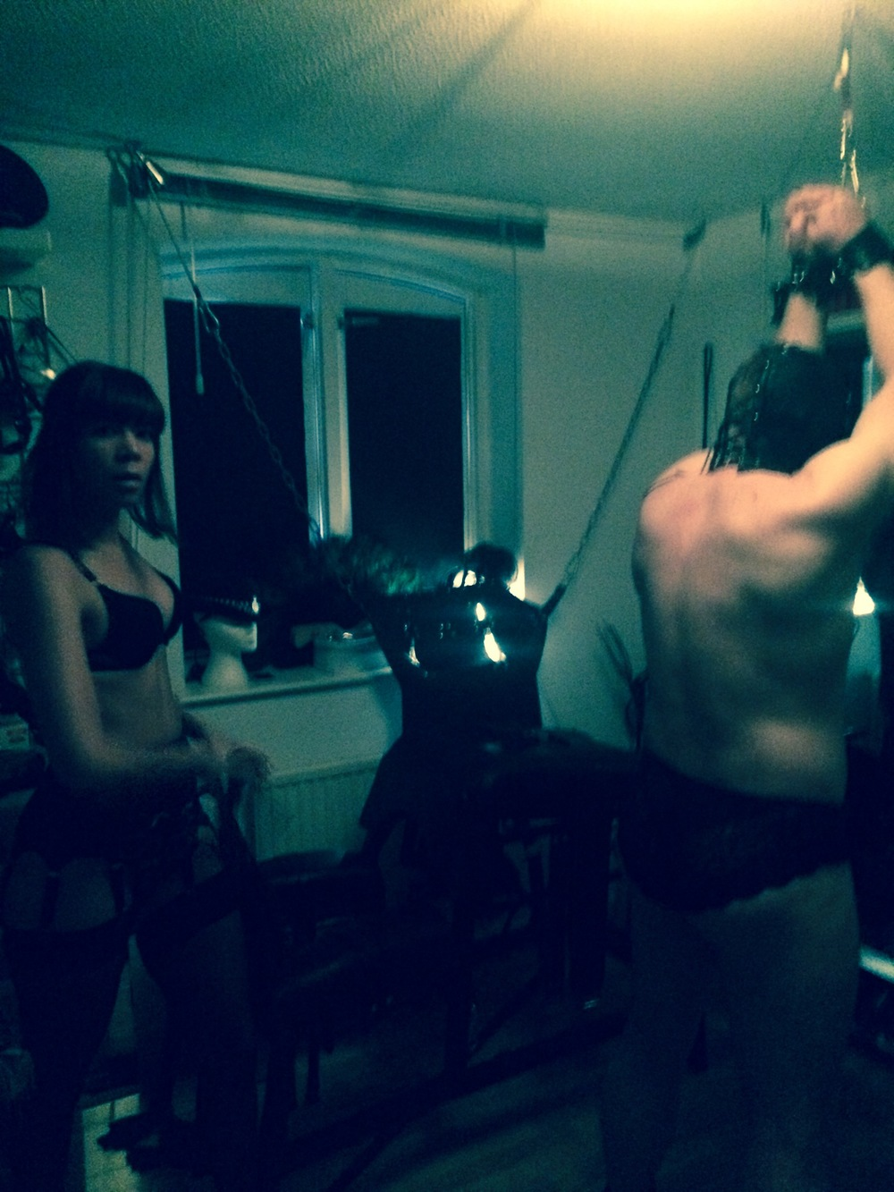 bdsm-whipping-sessions-dungeon-mistress-london-best-dominatrix-kings-cross