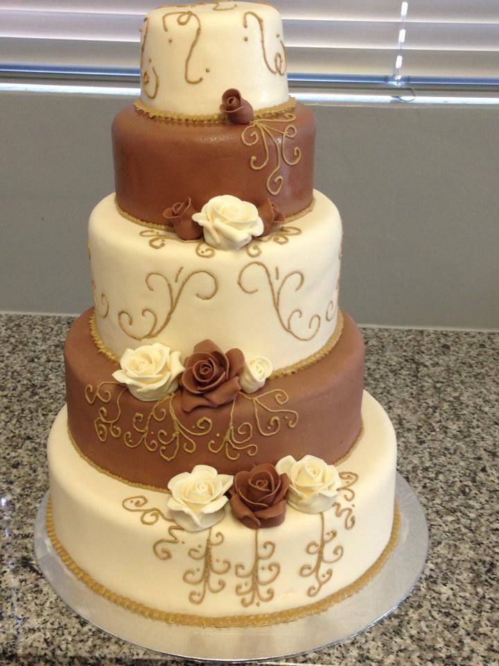 Wedding Cakes — Bite-Sized Bee Cakes & Pastries