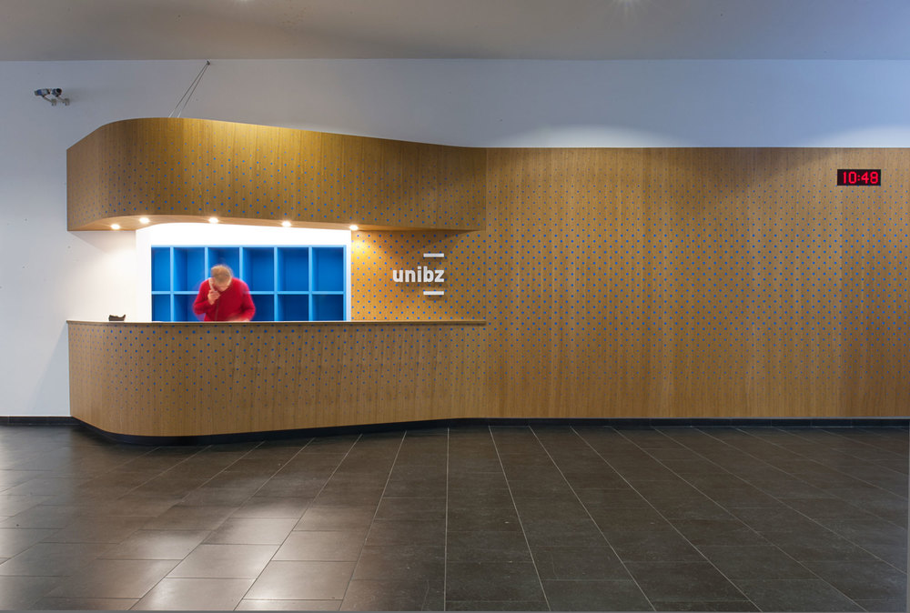 Free University Bozen _  New Welcome desk, main entrance.// November 2014
