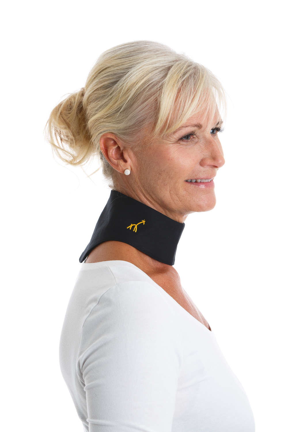 GIRAF ORIGINAL   Our bestseller and original. Made from 100% organic certified cotton. Giraf Original protects and warms the area where the neck turns into cervical spine. Used in the prevention and mitigation of existing problems such as whiplash, arthritis, stiff neck or neck pain. Click to read more