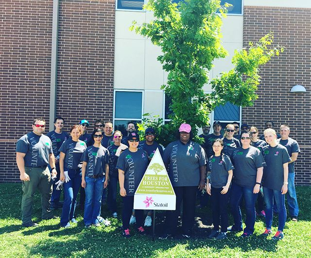 Thank you to our dedicated @statoil volunteers for planting 30 trees to beautify Piney Point Elementary today! 🌳🌳🌳