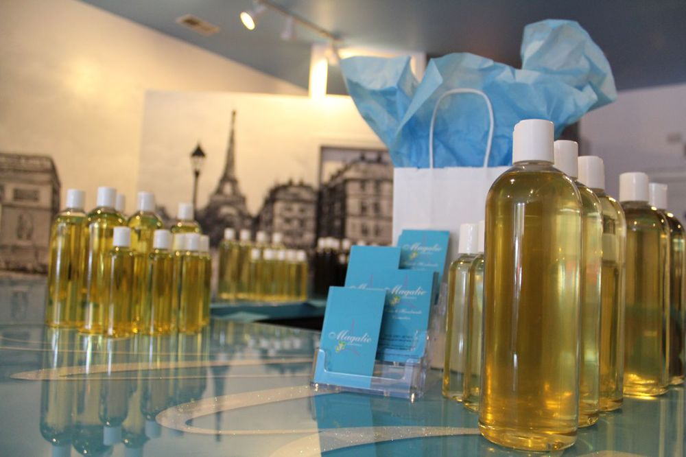 We offer a wide range of natural and essential oils.