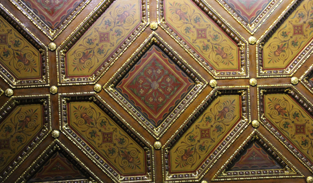 room2 - ceiling.jpg